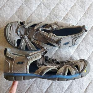 Women's Keen Shoes Size 6